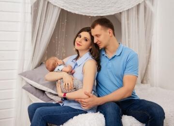семейная фотосессия с грудным ребенком