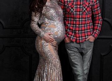 Фотосессия для беременных в серебряном платье 2