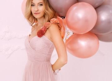 фотосессия девушки с шарами