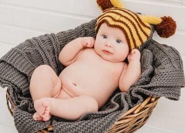 фотосессия младенца в шапочке