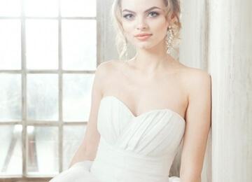 Свадебная фотосессия в студии с ярким макияжем 2